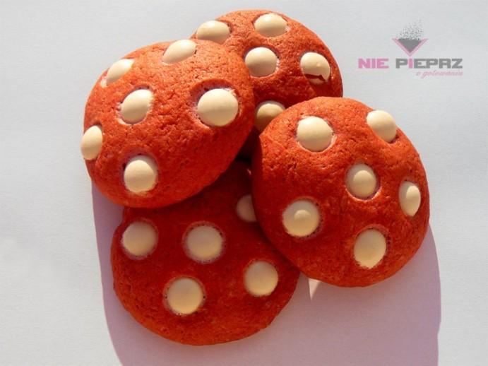 czerwone ciasteczka